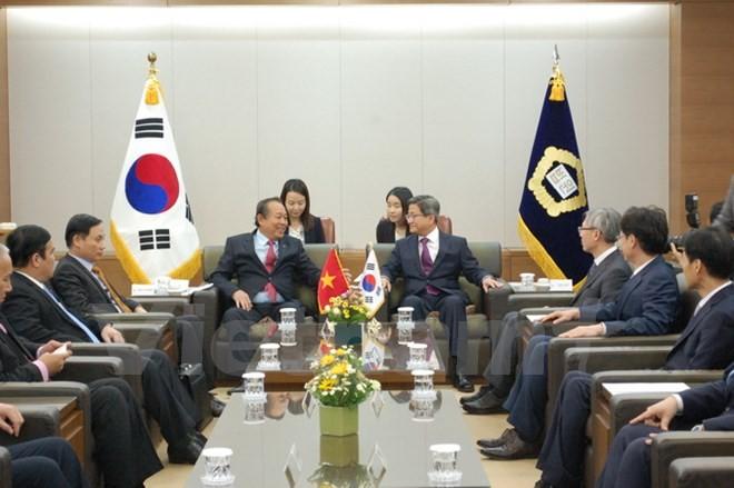 Aktivitas Deputi PM Vietnam, Truong Hoa Binh dalam kunjungan di Republik Korea - ảnh 1