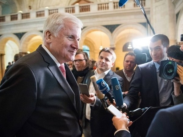 Perundingan tentang pembentukan Pemerintah Jerman: CSU mendukung pemilihan baru kalau SPD menentang permufakatan koalisi - ảnh 1