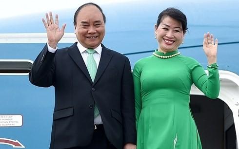 PM Viet Nam, Nguyen Xuan Phuc memulai program hadir pada KTT ACMECS 8 dan CLMV 9 - ảnh 1