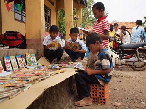 Membawa 1.001 perpustakaan ke dukuh di daerah pedalaman - ảnh 1