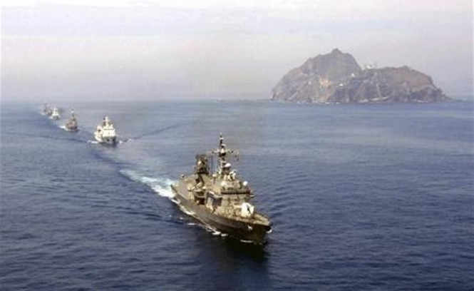 Republik Korea melakukan latihan perang untuk membela kepulauan yang dipersengketakan dengan Jepang - ảnh 1