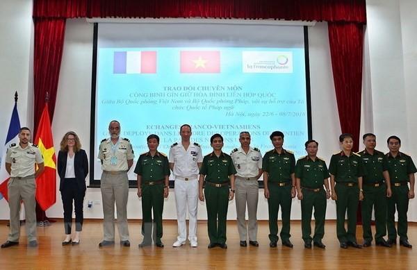 Viet Nam dan Perancis berbahas tentang profesionalitas mengenai penjagaan perdamaian PBB - ảnh 1