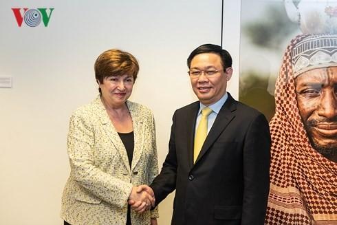 Bank Dunia dan Dana Moneter Internasional berkomitmen membantu Viet Nam mengembangkan ekonomi - ảnh 1