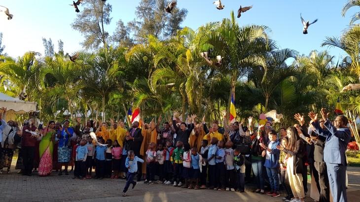 Komunitas orang Viet Nam di Mozambik mengadakan dengan khimad Upacara Waisak - ảnh 1