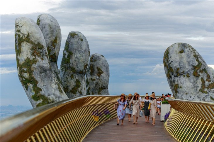 Jembatan emas – Satu adikarya baru di Bukit Ba Na  (Ba Na Hills) - ảnh 5