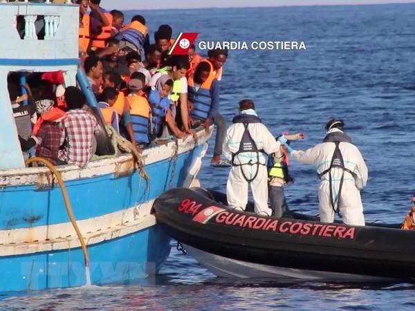 Masalah migran: Libia menyelamatkan 60 migran di laut - ảnh 1