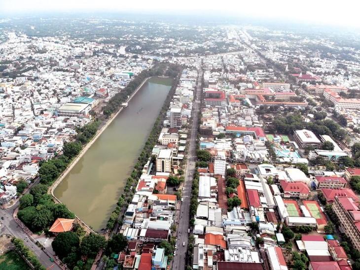 Memperkuat penyerapan investasi, menciptakan dinamika perkembangan di daerah dataran rendah sungai Mekong - ảnh 1