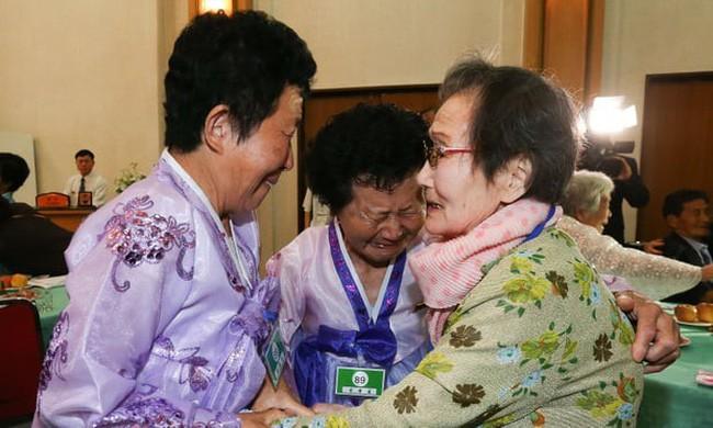 Reuni keluarga antar-Korea 2018: Sepakat mengorganisasi lagi reuni keluarga pada tahun ini - ảnh 1