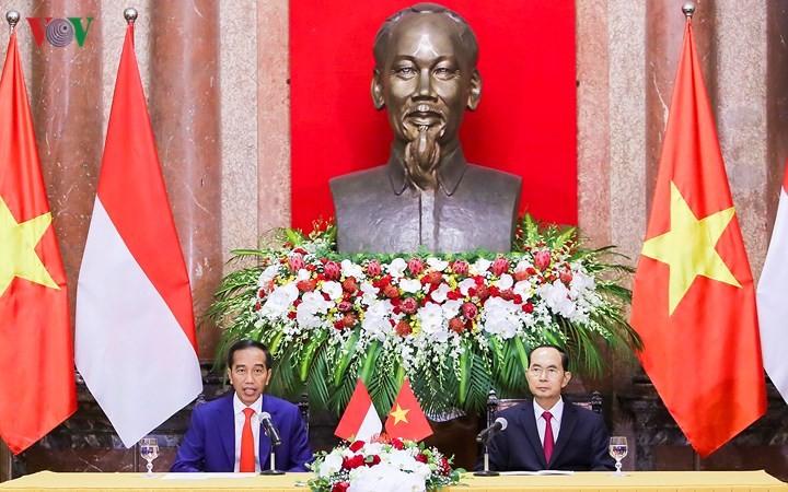 Panorama kunjungan Kenegaraan Presiden Indonesia, Joko Widodo di Viet Nam - ảnh 11
