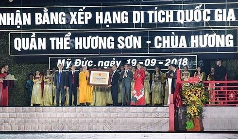Acara penerimaan Piagam Situs peninggalan sejarah istimewa nasional Kompleks Huong Son - ảnh 1