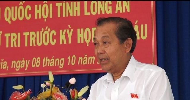 Deputi Harian PM Viet Nam, Truong Hoa Binh melakukan kontak dengan para pemilih Provinsi Long An - ảnh 1