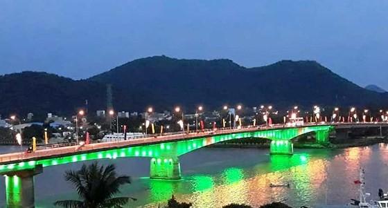 Provinsi Kien Giang: Resmi mengumumkan pembentukan Kota Ha Tien - ảnh 1