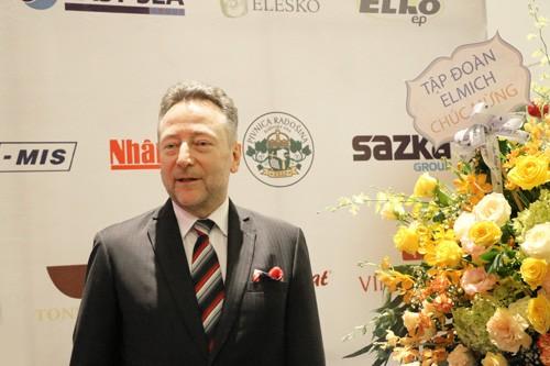 Republik Czech sangat memperhatikan perkembangan ekonomi dan kerjasama dengan Viet Nam - ảnh 1