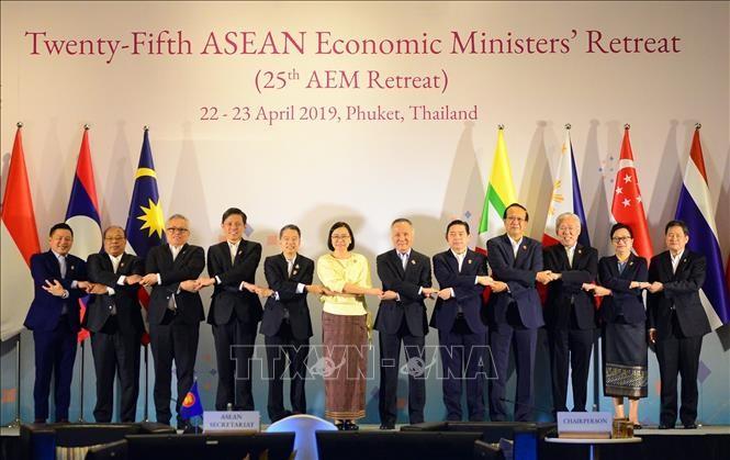 Konferensi ke-25 Menteri Ekonomi ASEAN yang terbatas - ảnh 1