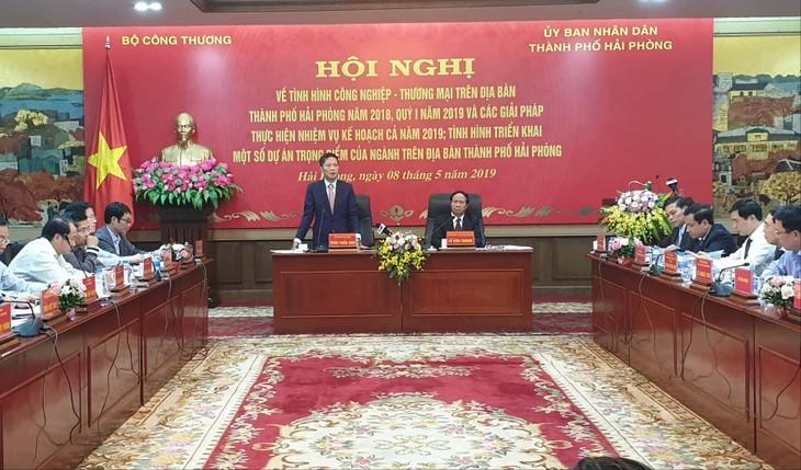Membutuhkan banyak kebijakan bagi Kota Hai Phong untuk menjadi pusat industri, perdagangan dan logistik di Vietnam - ảnh 1