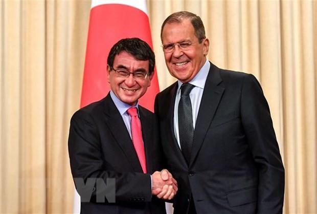 Jepang berharap supaya bersama sama dengan Rusia menyelesaikan perundingan tentang perjanjian perdamaian - ảnh 1