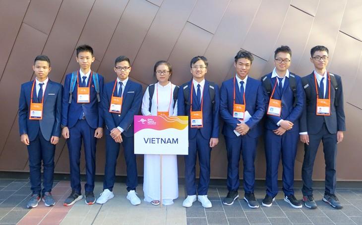 Pelajar Vietnam mencapai banyak hadiah dalam Olympiade Fisika Asia - ảnh 1