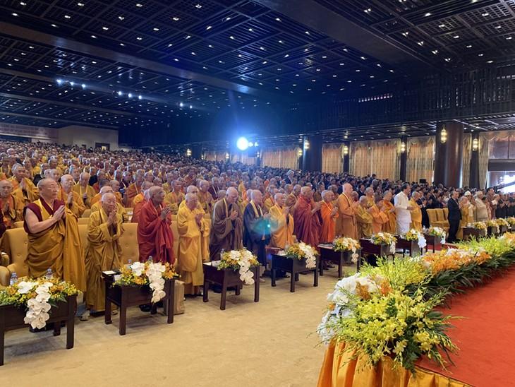 Para utusan internasional menilai tinggi Vietnam dalam menyelenggarakan Hari Waisak - ảnh 1