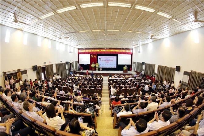 Penghargaan Tran Dai Nghia memuliakan upaya-upaya mengatasi kesulitan, menaklukkan ilmu pengetahuan untuk mengembangkan Tanah Air - ảnh 1