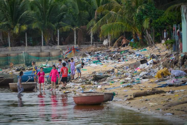 """""""Selamatkanlah laut"""" – hanya bertindak, barulah bisa menciptakan perubahan - ảnh 11"""