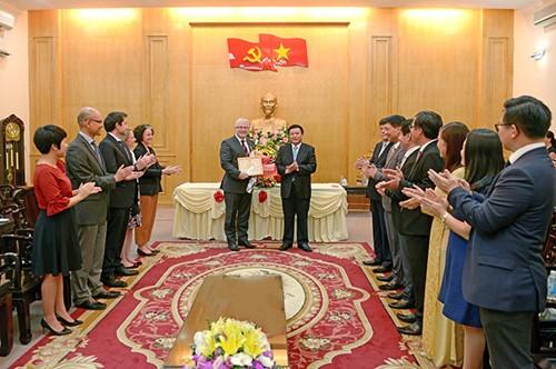 Mendorong kerjasama dalam menatar pejabat senior Vietnam-Australia - ảnh 1
