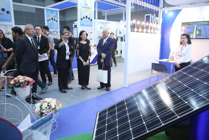 Pameran Bangkok RHVAC dan Bangkok E&E – Peluang kerjasama di bidang elektronik dan listrik pendinginan di kawasan - ảnh 1