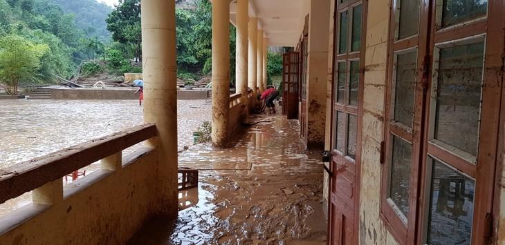 Tilgram dinas dari PM Pemerintah tentang usaha menghadapi dan mengatasi akibat hujan deras dan banjir karena taufan WIPHA - ảnh 1