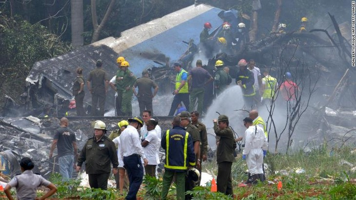 More than 100 killed in Cuba plane crash - ảnh 1