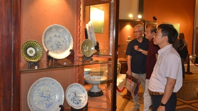130 Vietnamese cultural artifacts displayed - ảnh 1