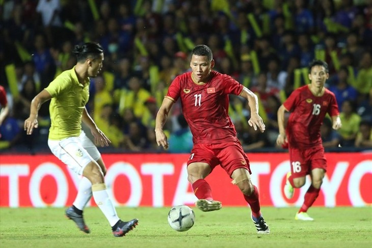 Vietnam through to King's Cup final - ảnh 1
