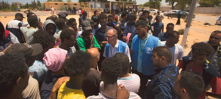UN officials call for refugees, migrants to be freed from detention - ảnh 1