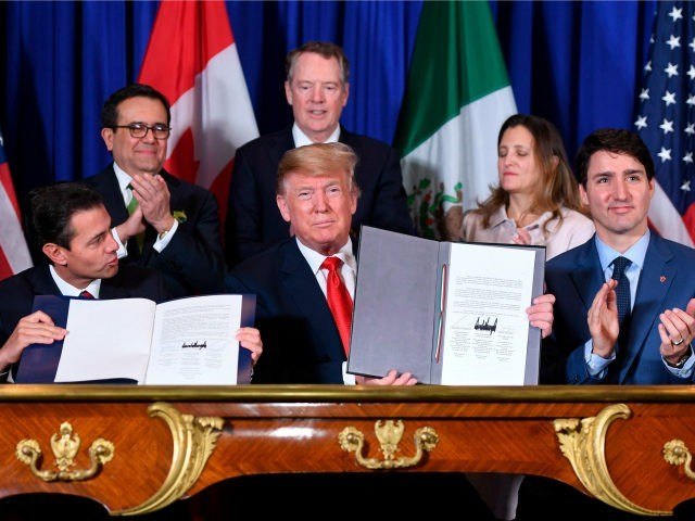 Trump urges Congress to pass US-Mexico-Canada trade pact - ảnh 1