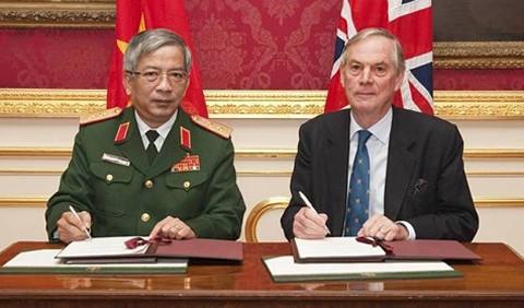 Военное сотрудничество между Вьетнамом и Великобританией - ảnh 1