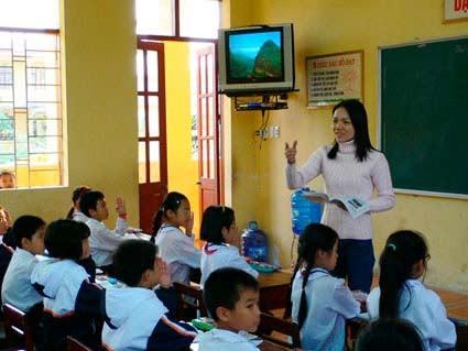 Всю свою душу вкладывает в педагогическую работу учительница Нго Тхи Тху Ха - ảnh 2