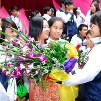 Всю свою душу вкладывает в педагогическую работу учительница Нго Тхи Тху Ха - ảnh 1