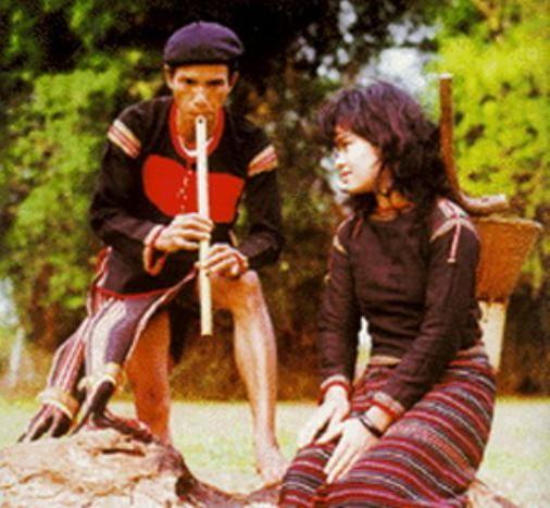 Традиционная одежда народности Эде - ảnh 1