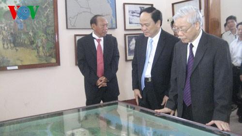 В южной провинции Биньдинь находился с визитом генеральный секретарь ЦК КПВ - ảnh 1