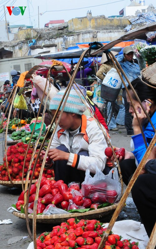 Пять видов фруктов, поставленных на алтаре во время Новогоднего праздника - ảnh 8