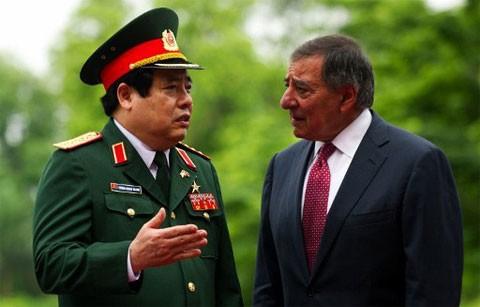 Визит министра обороны США в СРВ является символом сотрудничества между двумя... - ảnh 1
