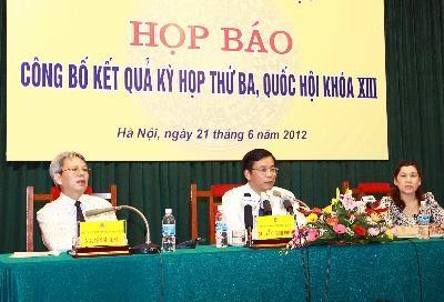 Пресс-конференция по итогам третьей сессии Национального собрания 13-ого созыва - ảnh 1