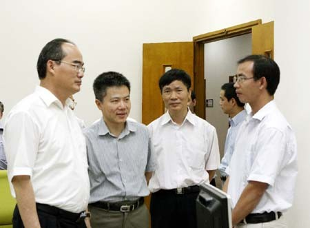 Нгуен Тхиен Нян провел встречу с руководством Исследовательского института... - ảnh 1