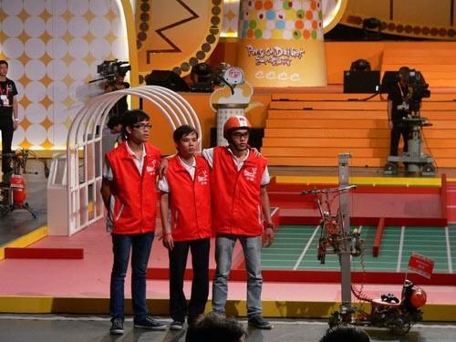 Вьетнам занял второе место в Международном конкурсе «Robocon - 2012» - ảnh 1