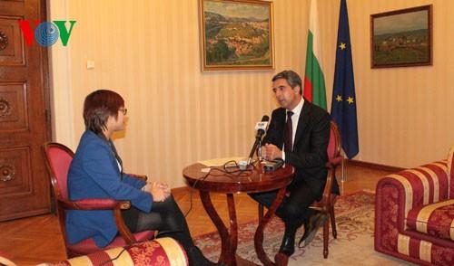 Создание «новой модели двустороннего сотрудничества между Вьетнамом и Болгарией» - ảnh 2