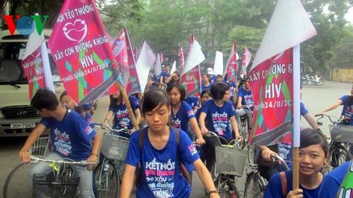 Во Вьетнаме отмечается Всемирный день борьбы с ВИЧ/СПИДом - ảnh 1