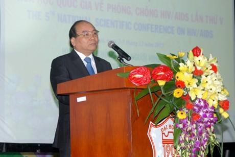 Вице-премьер Вьетнама: число ВИЧ-инфицированных людей сократилось - ảnh 1