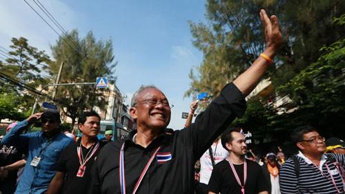 Суд Таиланда выдал ордер на арест лидера демонстраций - ảnh 1