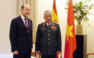 Активизация сотрудничества в сфере обороны между Вьетнамом и Испанией - ảnh 1