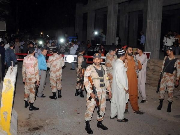 В результате вспышки насилия в Пакистане погибло не менее 13 человек - ảnh 1