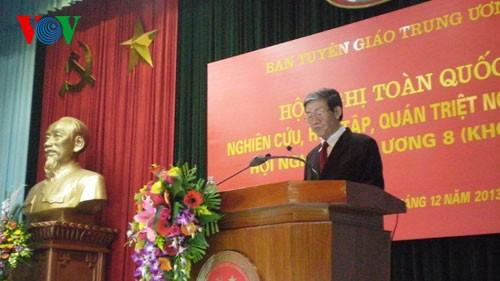 Общереспубликанская конференция по изучению резолюций 8-го пленума ЦК КПВ - ảnh 1