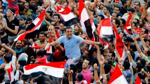 Египет планирует провести референдум по новой конституции в январе 2014 г. - ảnh 1